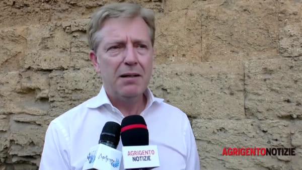 """E' il caos isole ecologiche di prossimità, il sindaco Firetto: """"Verifiche in corso"""""""