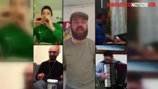 Trento e Parma chiamano Bivona, band folk si esibisce in chat con una tarantella contro il Coronavirus