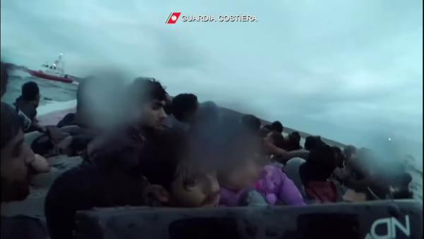 Il naufragio di Lampedusa, ecco i disperati tentativi per salvare i bambini