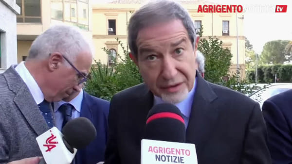 La frana di Vincenzella e l'emergenza Scala dei Turchi: ecco alcune delle criticità di cui si sta occupando Musumeci
