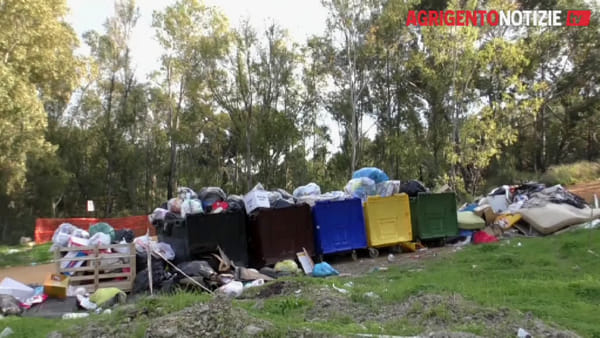 """Da isola ecologica a bosco dei rifiuti, ecco la discarica """"autorizzata"""" di contrada San Pietro"""