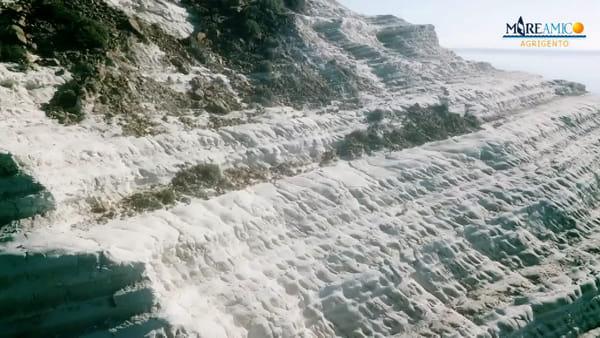 """Scala dei Turchi, Mareamico: """"Ci sono migliaia di massi a rischio crollo"""""""