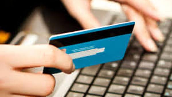 Buy a console online but it was a scam, two complaints thumbnail