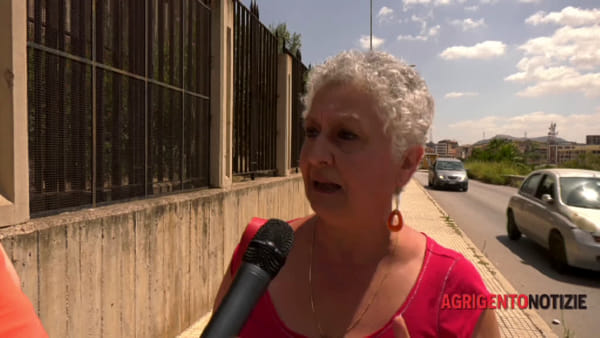 """Sea Watch3, gli attivisti stanno con Carola: """"Salvare vite in mare non è reato"""""""