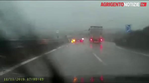 Due auto contromano sulla statale 640, tragedia sfiorata vicino al bivio per Canicattì