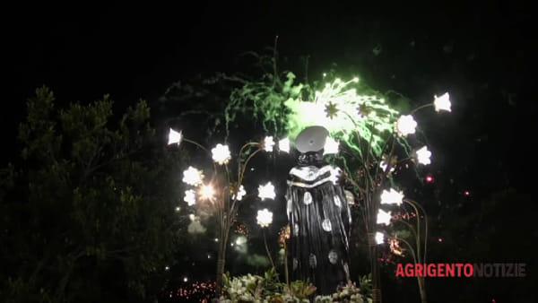 La città saluta San Calò: migliaia di fedeli alla processione di chiusura dei festeggiamenti