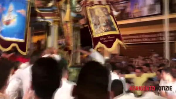 Festa di Maria Santissima del Monte, ecco la presa della bandiera del Cero dei burgisi