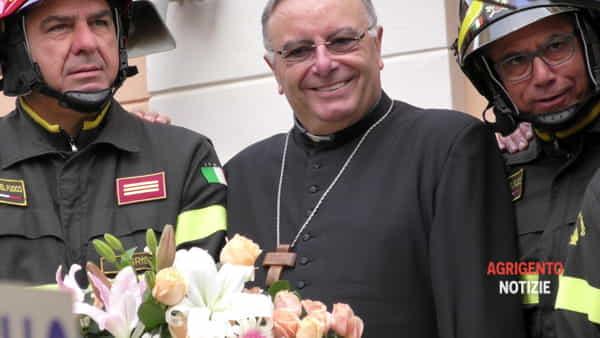 """Vittime del Covid 19, il cardinale si raccoglierà in preghiera al cimitero """"Bonamorone"""""""