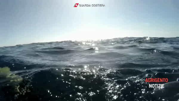 Sub e robot alla ricerca di cadaveri sull'imbarcazione affondata davanti Lampedusa