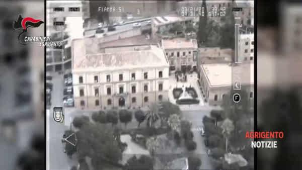 """Spaccio di """"erba"""" ed evasione, in tre incappano nei controlli anti-Coronavirus: arrestati"""