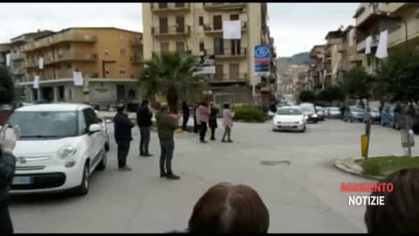 Troppe persone per strada per l'addio a Lorena, ecco uno dei video agli atti dell'inchiesta