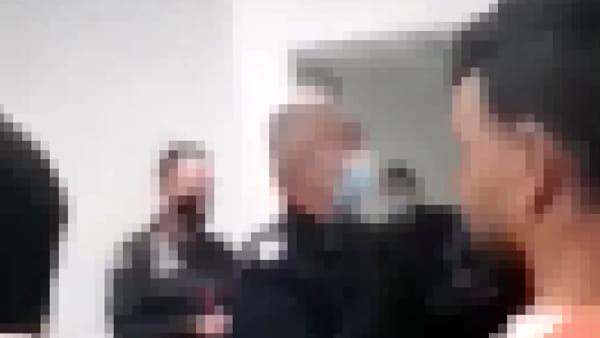 """""""Schiaffi a due migranti dopo la fuga dal centro di accoglienza"""", ecco il video dell'inchiesta"""