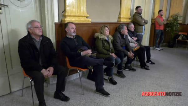 """Chiusa dal Nas e lavoratori senza stipendio da 17 mesi, esplode in Consiglio il caso """"Villa Betania"""""""