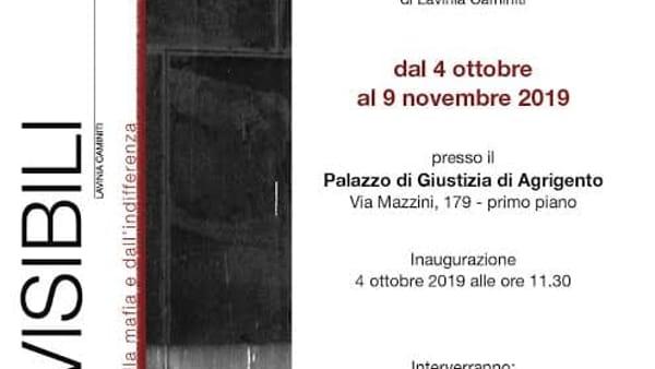 """""""Gli invisibili"""", una mostra fotografica al palazzo di Giustizia"""