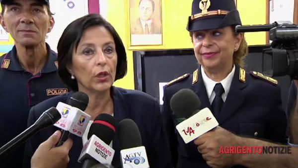 La polizia non è più un corpo militare, il questore Iraci presenta i nuovi distintivi di qualifica