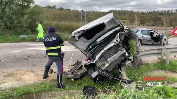 Statale Agrigento-Palermo: terribile scontro fra tre autovetture, un morto e tre feriti