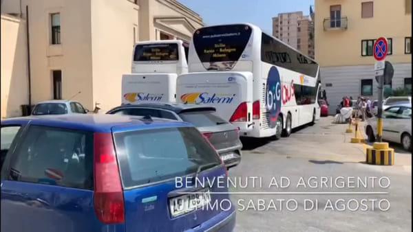 """Sosta dei bus in centro, Mani libere: """"Situazione ingestibile. E' tutto autorizzato?"""""""