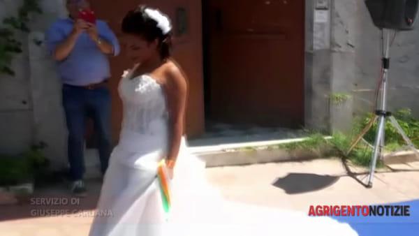 """Un abito bianco per dire no al razzismo, Licata: """"Unisce tutte le donne del pianeta"""""""