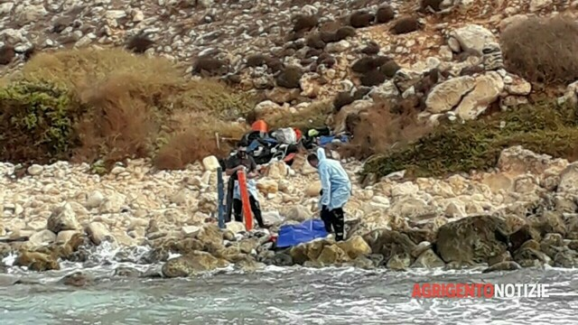 The human remains recovered in Cala Pulcino are on their way to Porto Empedocle: they will be buried in Burgio thumbnail