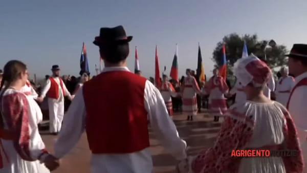 L'ultima domenica del Mandorlo in fiore, arriva il maxi schermo in piazza Cavour: ecco cosa cambia