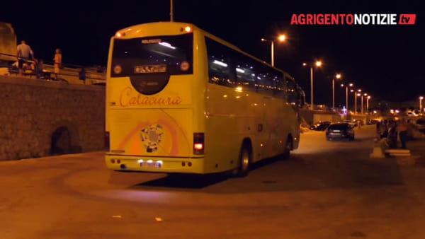 Hanno trascorso la notte a Porto Empedocle i 19 migranti salvati in mare