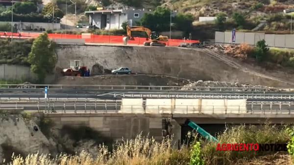 Strada degli Scrittori, il vecchio ponte Petrusa non esiste più: lavori in corso nel vallone San Benedetto