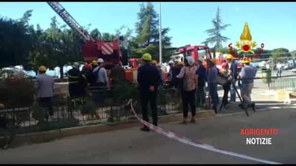 Il crollo di piazza Cavour, perito della Procura e Saf ispezionano dall'alto il palazzo