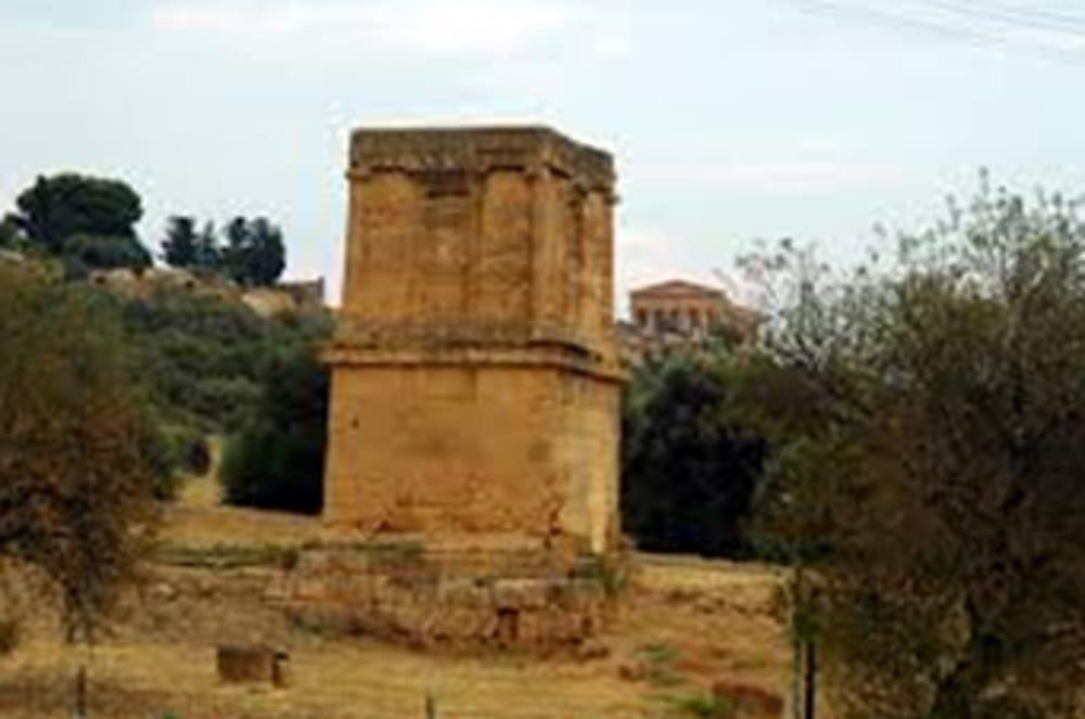 La tomba di Terone