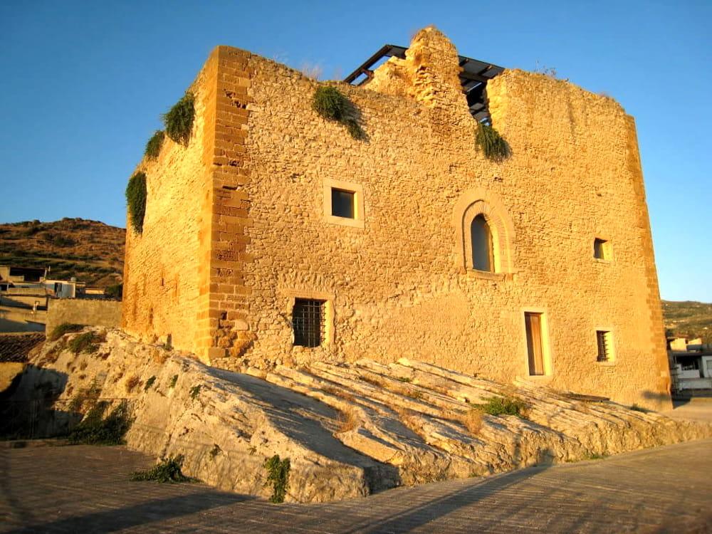 Il Castello dei Peralta di Burgio