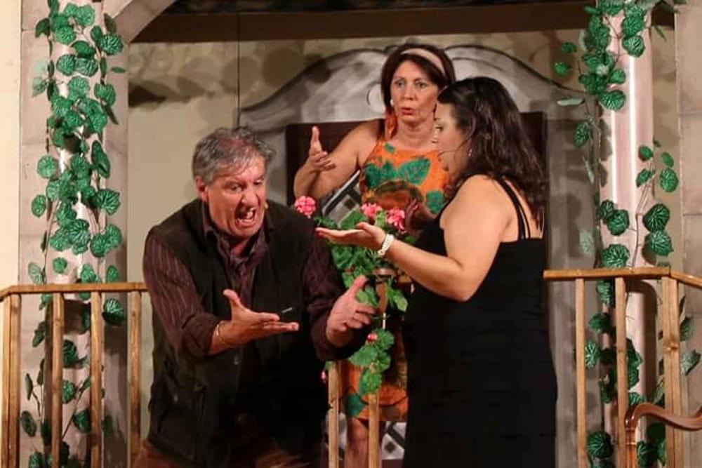 Una scena dello spettacolo (foto di Giovanni Amoroso)
