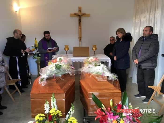 funerali migranti montevago00
