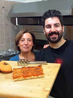"""Rosticceria """"San Pio X"""" a Villaggio Peruzzo: """"si modernizza"""" il calzone fritto"""